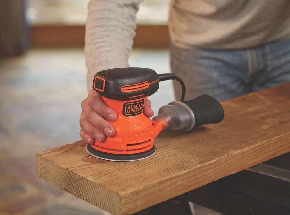 The best orbital sander: Is Bosch or DeWalt the winner?