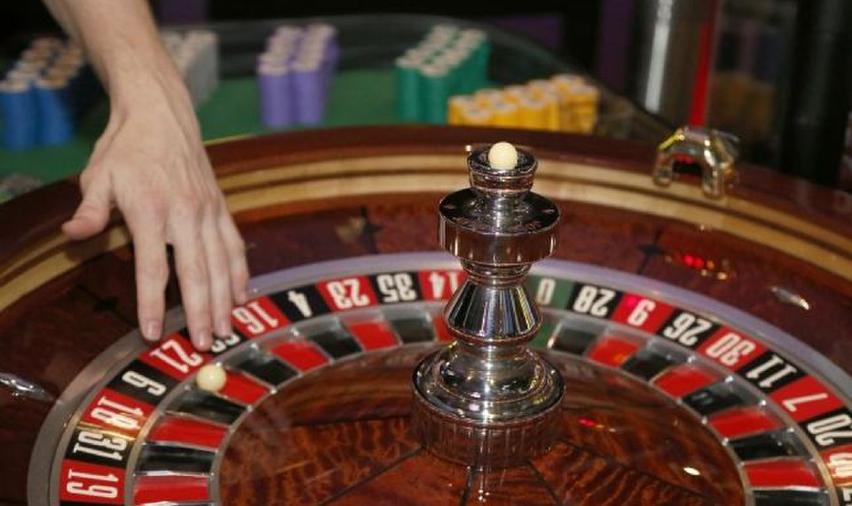 Six Attractive Methods To Improve Your Gambling Expertise